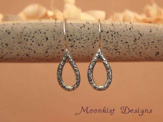 زفاف - Floral Teardrop Earrings, Sterling Silver Drop Earrings, Dangle Earrings, Coordinating Tendril and Vine Wedding Jewelry, Bridesmaid Jewelry