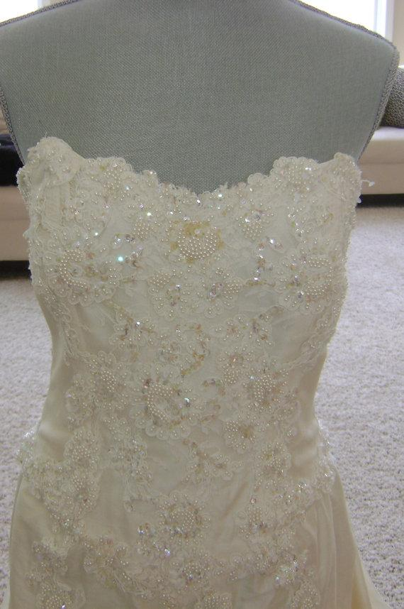 Свадьба - Demitrios Wedding Gown, Bolero Jacket and Veil