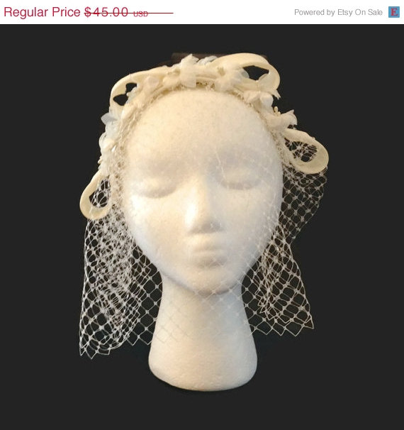 c5655969563 CLOSING SALE Vintage Bridal Veil   1950s Hat   Wedding Headpiece   Wedding  Hat   Blusher Veil   Birdcage Veil