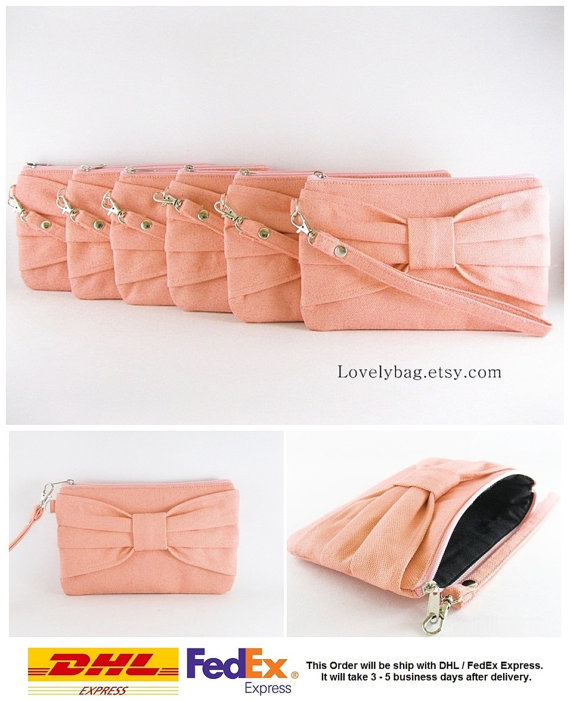 Свадьба - Set of 10 Clutch Bridesmaids, Clutch Wedding / Peach Bow Clutches - MADE TO ORDER