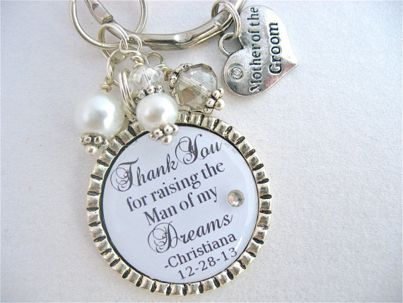 Свадьба - MOTHER of the GROOM Gift PERSONALIZED Keychain Silver Keychain Bridal Jewelry Wedding Set Mother in law Gift Mum of the Groom Gift Quote