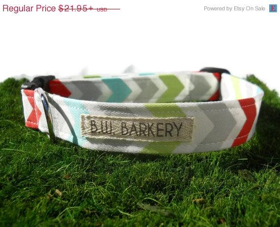 Свадьба - 4th OF JULY SALE Dog collar...Aqua,red,grey,lime and white chevron print...Any size...