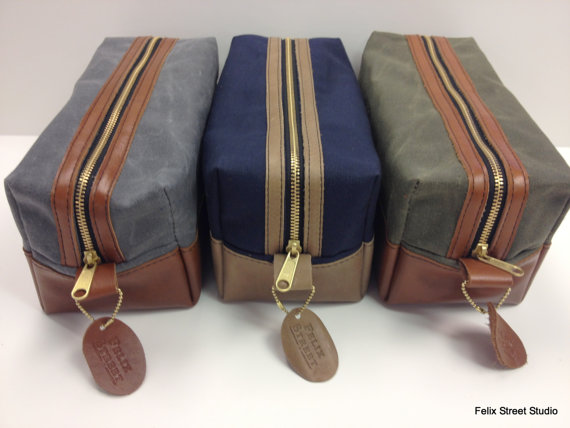 Свадьба - Personalized Leather and Waxed Canvas Dopp Kit Gifts for Groomsmen with Optional Custom Lining