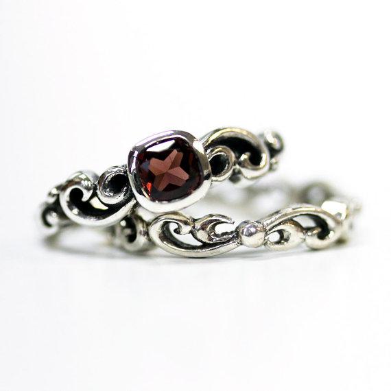 زفاف - Garnet engagement ring set - unique silver swirl wedding set - square bezel engagment ring - mini Water Swirl ring - custom made to order