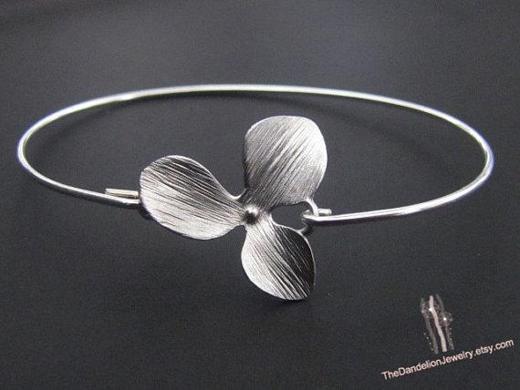 Mariage - SALE 10% OFF: Flower Bracelet in Sterling Silver wire Open Bangle Wedding Jewelry Wedding Bracelet Bridesmaid Gift Bracelet Friendship
