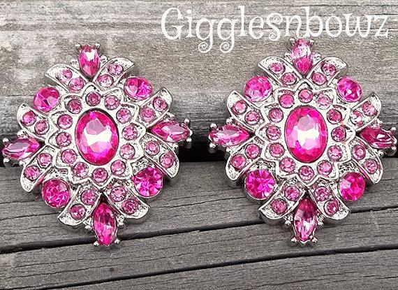 Mariage - LaRGE RHiNeSToNe Buttons- 2 PC LiMiTED EDiTiON DiaMoND SHaPE BuTToNS- SHoCKiNG PiNK 30mm