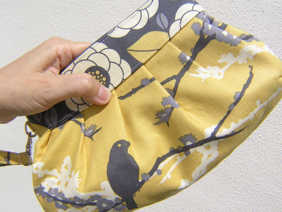 Mariage - bridesmaids CLUTCH, janbag wristlet, custom made, bridal, wedding, handmade - Sparrows/Bloom