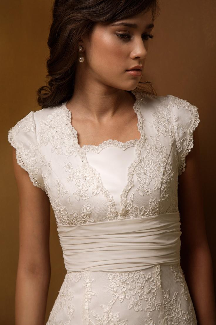 Nozze - Romantic Short Sleeve Ivory Wedding Dress Gown Button