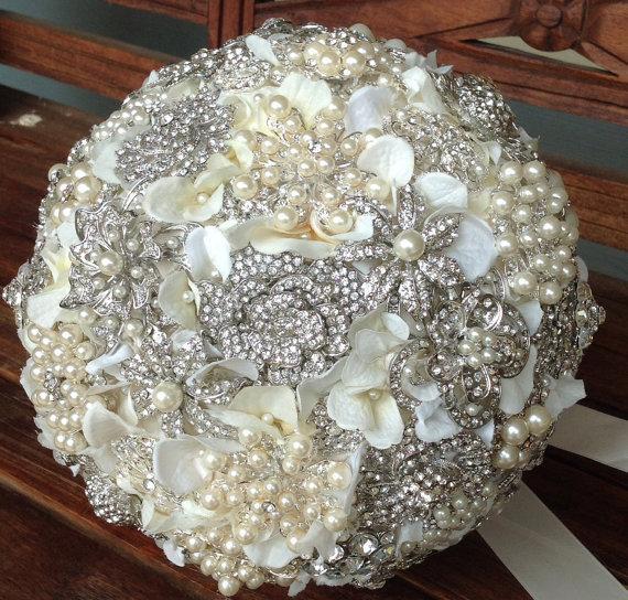 Hochzeit - Brooch Bouquet Rhinestone Pearl Ivory