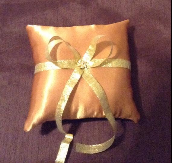 زفاف - Reserved auction gold custom made flower girl basket pillow