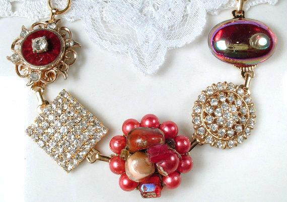 Mariage - OOAK Vintage Earring Bracelet, Strawberry Red Pearl & Rhinestone Gold Bridal Charm Bracelet, Bridesmaids Jewelry Wedding Gift 1950s 1960s