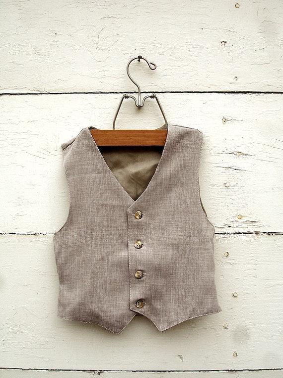 Mariage - BOYS VEST-Sepia Tan, Tan Boys vintage style Vest, Boys ring bearer vest (sz. available 1-10 year old)