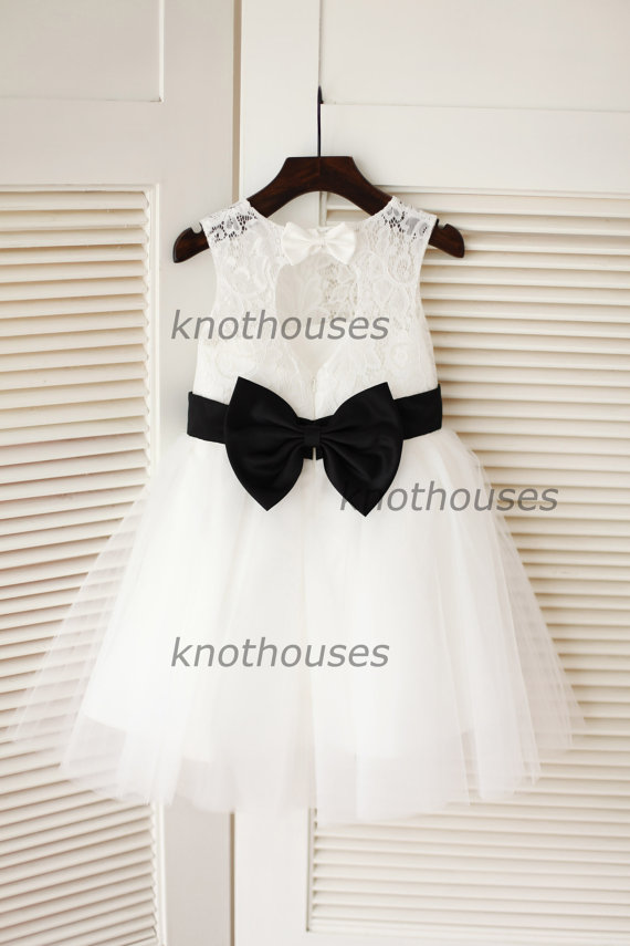 Hochzeit - Ivory Lace Tulle Flower Girl Dress Keyhole Back/Black Bow Sash Children Toddler Party Dress for Wedding Junior Bridesmaid Dress