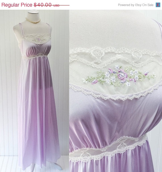 Свадьба - 4th of July SALE Lorraine nightgown // 1970s pale lilac sheer nylon lace empire waist maxi peignor // embroidered floral // size S 34