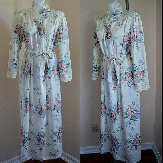 Wedding - Free Shipping, Vintage Linda Lingerie Robe,  Linda Lingerie, Floral Robe, Romantic, Wedding, Vintage Ladies Robe, White Floral Robe, Robe