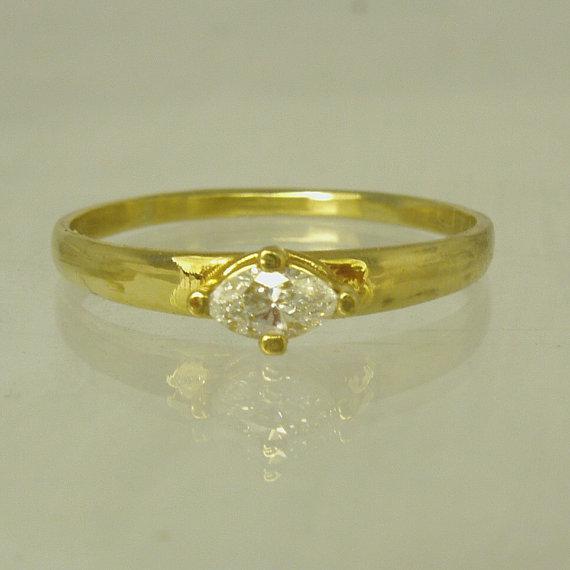 Mariage - Diamond Engagement 14 Karat gold ring,  engagement ring, Recycled gold, Wedding Band, Woman Wedding Band. Made To Order  ring