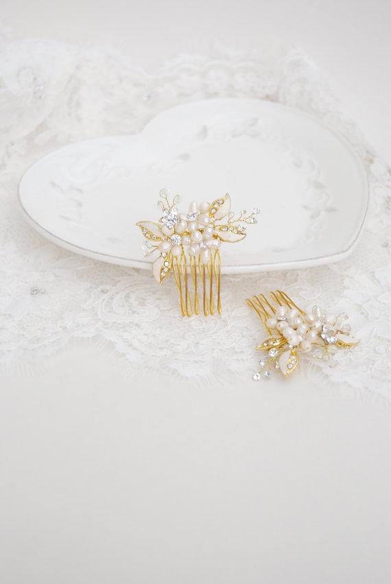 Свадьба - Bridal flower comb set, crystal pearl hair brooch, wedding hair jewelry, floral leaf hairpins, gold headpieces, bride accessories - Alix