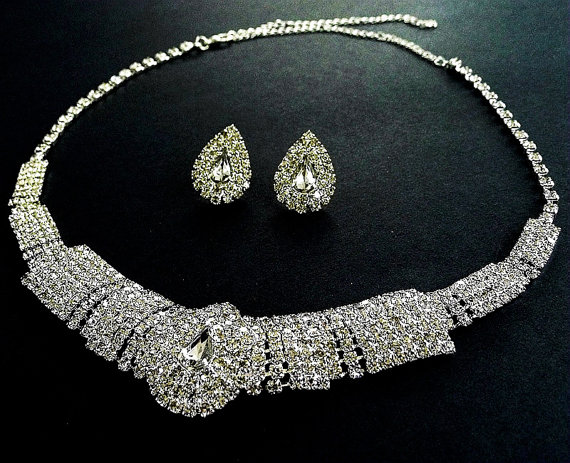 Mariage - Graceful wedding jewelry set,Sparkling rhinestone necklace earrings,Special occasion jewelry set, Bridal jewelry set