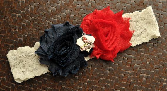 Mariage - St. Louis Cardinals Wedding Garter, St. Louis Cardinals Bridal Garter, Ivory Lace Wedding Garter, Baseball Garter, Cardinals Garter