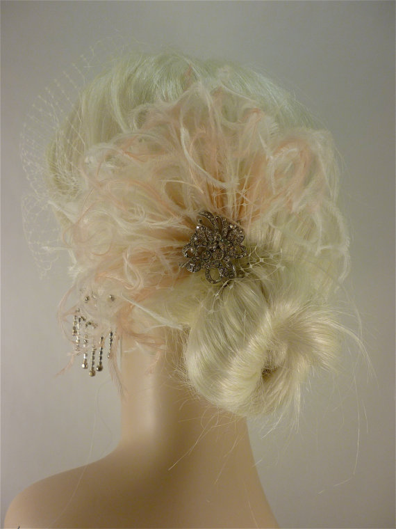 Mariage - Bridal Feather Fascinator with Brooch, Bridal Fascinator, Feather Fascinator, Fascinator, Bridal Veil, Ivory and Blush