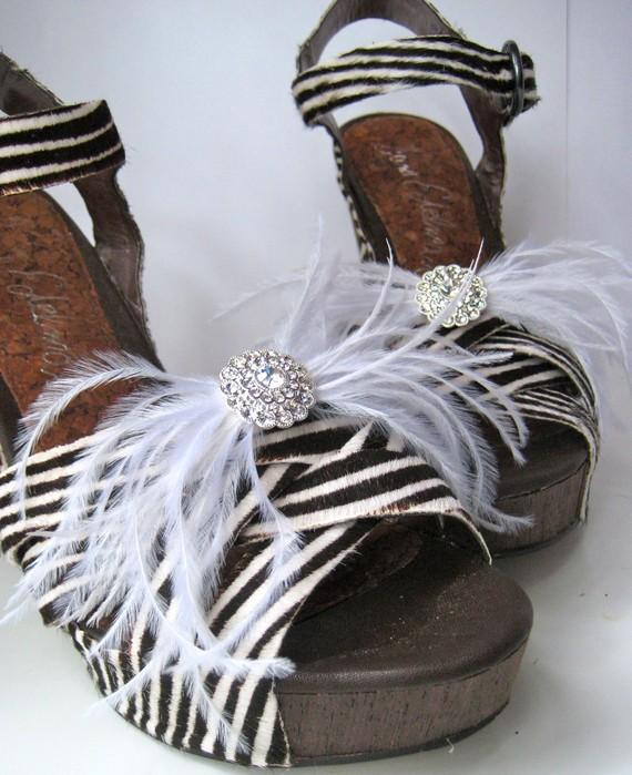 زفاف - Ostrich feathers and rhinestones shoe clips - party or wedding