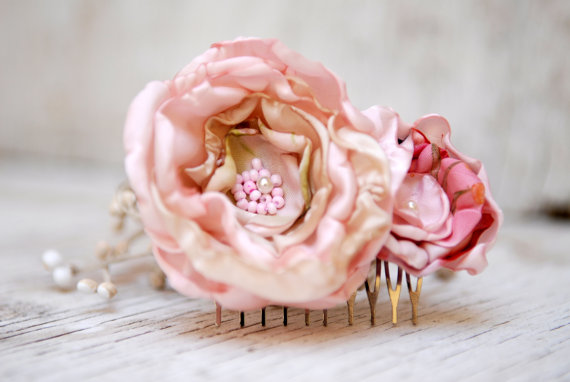 Wedding - Pastel Pink Flowers Hair Comb --- Flowers Hair Piece --- Rustic Wedding Accessory --- Tagt Rdtt