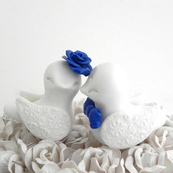 Mariage - Love Birds Wedding Cake Topper, White and Royal Blue, Bride and Groom Keepsake, Fully Custom
