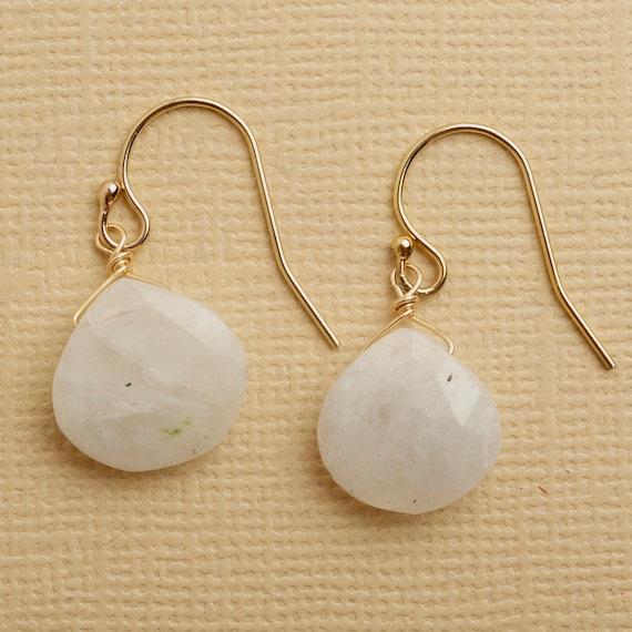 Свадьба - moonstone earrings, moonstone jewelry, june birthstone, healing gemstone, wedding day earrings, gifts for bridesmaids, christmas earrings
