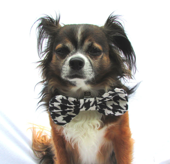 Свадьба - Pet Dog Bow Tie-Clip On Collar Attatchment- Houndstooth Black and White