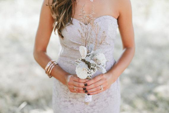 زفاف - Rustic Dried Bridesmaid Bouquet with Sola Flowers, Tallow Berries and Dusty Miller