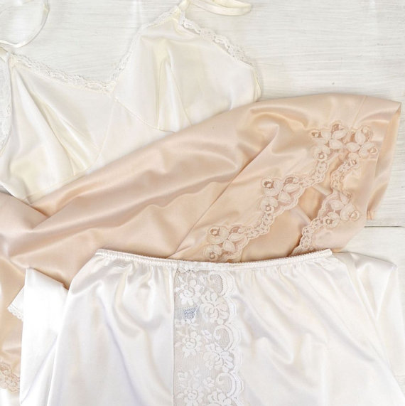 Wedding - Lot of Vintage Lingerie Cutter White Beige Lace Full and Half Slips Maidenform Hilro