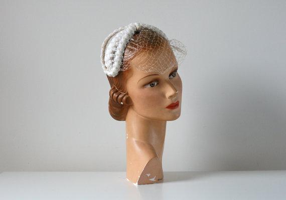 3c24d2cf9c9 Vintage 1950s Wedding Hat   Vintage Bridal Hat And Veil  2321410 ...