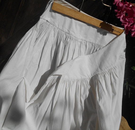 Mariage - Long Victorian Petticoat  Handmade French Country Side White Cotton Skirt Costume Clothing