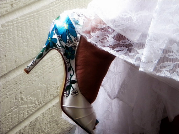 Wedding - Wedding shoes ivory peep toes peacock  colombina white daisies lapis  old Italy vines