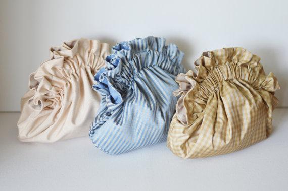 Hochzeit - Wedding clutch,silk clutch,small purse,bridesmaid clutch,shoulder bag,bridesmaid purse,bridesmaid gift,evening bag,elegant purse,formal bag