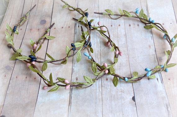 Mariage - Wedding headband, flower circlet, simple leaf and berry tiara, bridal crown, wedding hair accessories (pink, blue, or navy)
