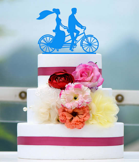 Mariage - Wedding Cake Topper Monogram Mr and Mrs cake Topper Design Personalized with YOUR Last Name 028