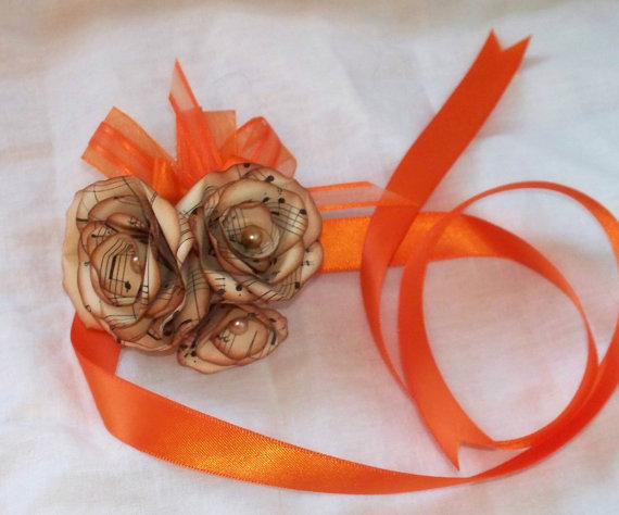 Mariage - Vintage music paper flowers, customized corsage