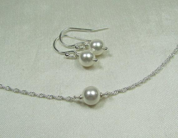 Свадьба - Pearl Bridal Jewelry Set - Swarovski Crystal Pearl Bridal Necklace and Earrings Set - White Wedding Jewelry
