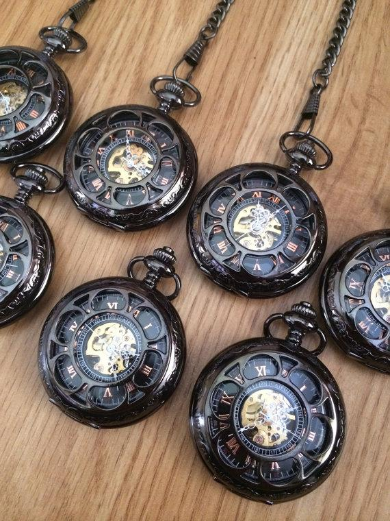 Свадьба - Pocket Watches Set of 8 Personalized Gunmetal Mechanical Mens Pocket watch with chains for Groomsmen