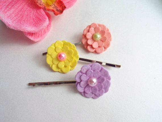 Wedding - Flower bobby Pins Daisy hair pins Floral barrette Spring hair accessories Colorful hair clips Bridal Flower girl