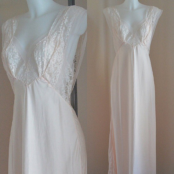 Free Shipping Vintage 1940s Nightgown, Vintage Nightgowns, Heavenly ...