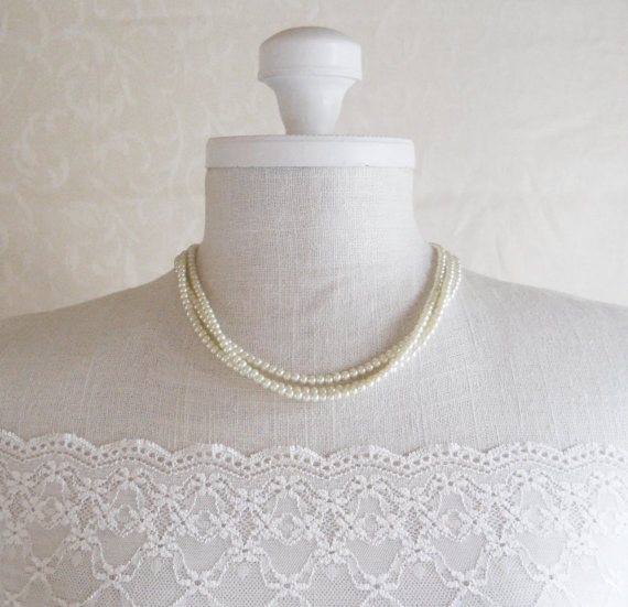 Свадьба - Short Pearl Necklace Bridesmaids Pearl Jewelry Ivory Pearl Necklace Old Hollywood Style Wedding Jewelry Pearl Bridal Jewelry Bridesmaid