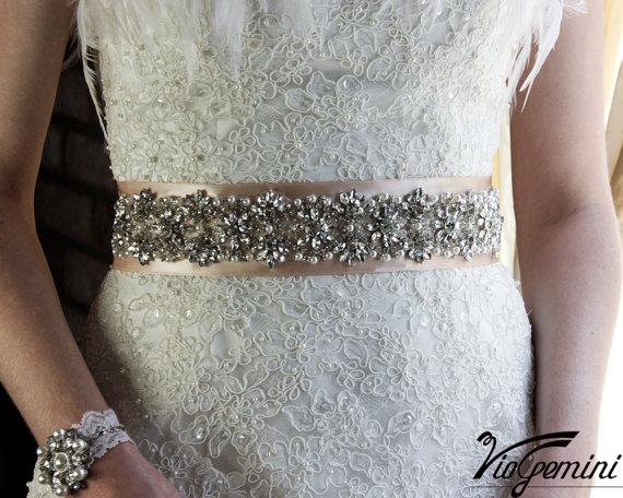 "Hochzeit - Bridal sash 17"", rhinestones and pearl sash, wedding sash, jeweled sash belt, crystal sash, wedding gown embellishment"