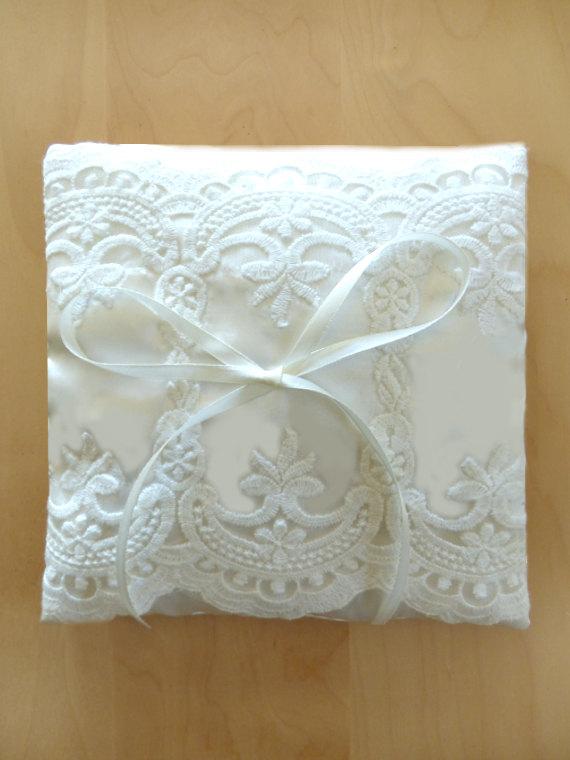 Hochzeit - Custom wedding ring pillow, vintage : ANA  Bridal Pillow Ring Bearer