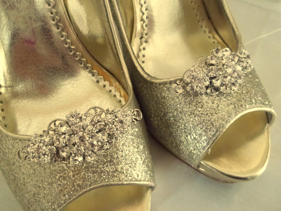 Mariage - Wedding Shoe Clips Vintage Style Swarovski Crystal Bridal Clips for Wedding Shoes, Pumps, Prom, Gift