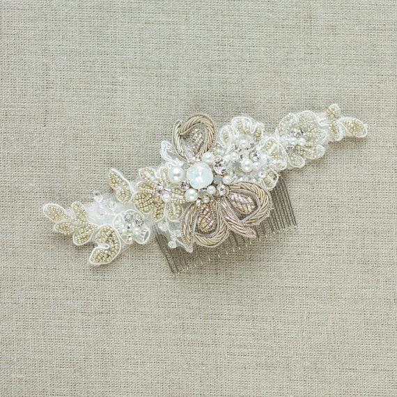 Mariage - Bridal hair comb Lace hair accessories Wedding hair comb Lace hair comb Bridal hair piece Beaded hair comb Wedding headpiece