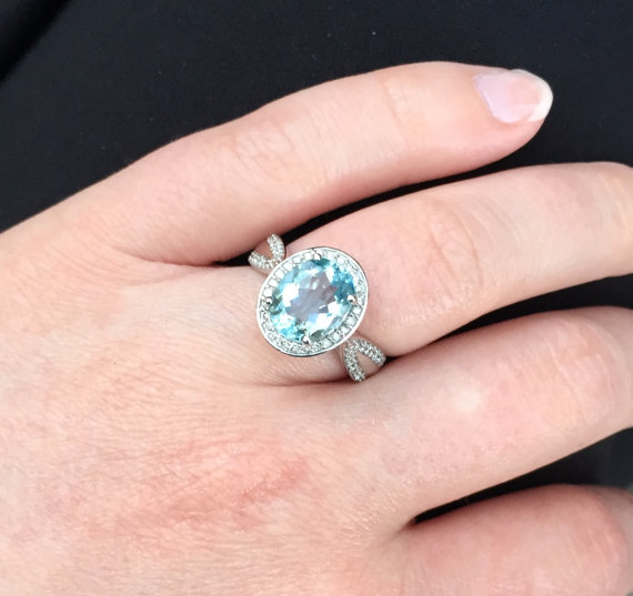 aquamarine and ring in 14k white gold 10x8mm