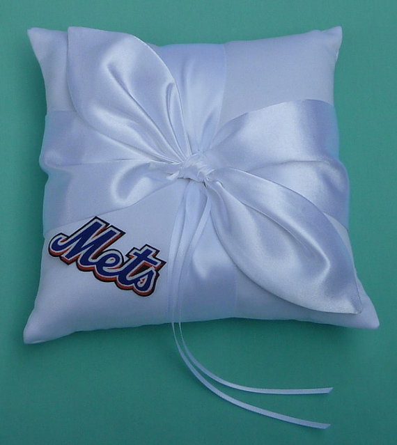 Свадьба - Wedding Ring Bearer Pillow, Flower Girl Basket, Bridal Garter Set - New York Mets NY Baseball Themed