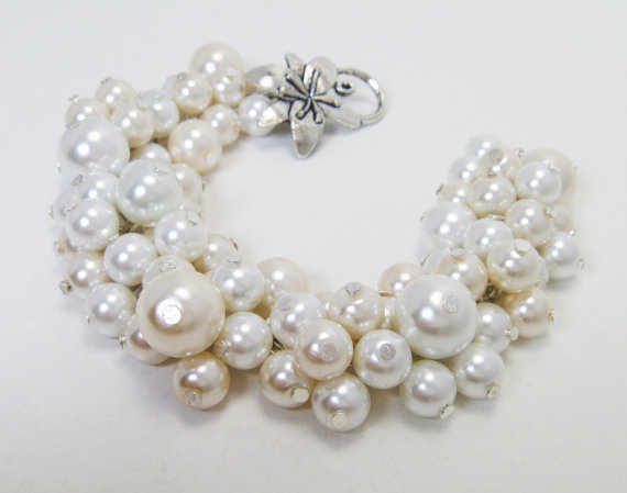 Wedding - Ivory and White Pearl Cluster Bracelet, Chunky Pearl Bracelet, chunky bracelet, bridal jewelry, cluster wedding bracelet, bridesmaid jewelry